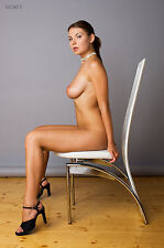 Fine Art Nude model photo, signed 8.5x11 print by Craig Morey: Lucy 3790