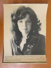Vtg AP Wire Press Photo Lyricist Singer Carole Bayer Sager Moving Out Today 1977