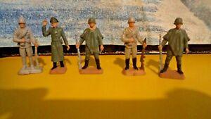 Lot N° 21 de 5 figurines militaires STARLUX 40 mm