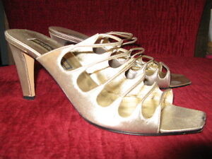 Anne Klein Couture gold slides shoes sandals  9 UK7 39