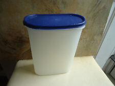 "Tupperware Oval Canister 1614 7 x 3 1/2 x 9"" Blue Lid"