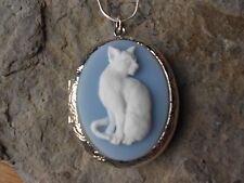 STUNNING KITTY CAT (WHITE/BLUE) CAMEO LOCKET!! QUALITY!! CHRISTMAS GIFT