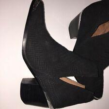 New listing Jeffrey Campbell Black Cromwell Matte Snake Pre-own Women's Size 11M