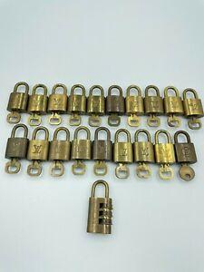 Auth Louis Vuitton Padlock & Key Set Gold 20pcs TL6279