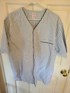 Brooks Brothers Seersucker Pajamas Set SHIRT AND SHORTS! Size L look ! unworn L