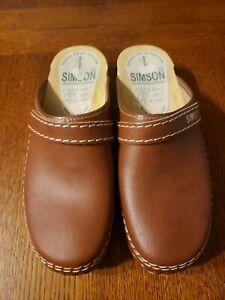 Womens Simson Clogs Size 39