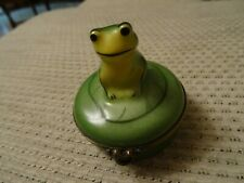 Limoges Castel Green Frog on Lily Pad Trinket Box