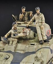 "Royal Model 1/35 British Sherman Mk.III (M4A2) ""Clive"" Crew WWII (3 Figures) 583"