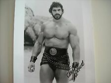 LOU FERRIGNO signed 8x10 Hercules  BW 1983 ...the incredible hulk,mr universe