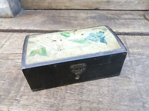 """Antique Clark & Company's Anchor Sewing Cottons Thread Box  4 1/4"""" x 2 1/4"""""""