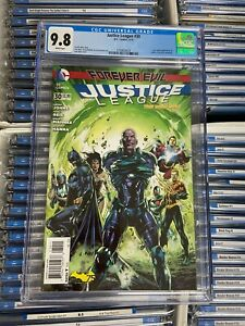 JUSTICE LEAGUE #30 NM/MT 9.8 CGC Jessica Cruz / Power Ring Cameo GEOFF JOHNS