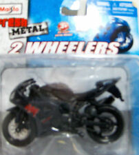 Yamaha YZF R 1 1:18 Motorcycle Die cast Miniature Sport Bike EXUP II 13