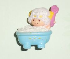 STRAWBERRYLAND MINIATURES Angel Cake in tub Figurine Strawberry Shortcake PVC