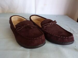(O) Isotoner Men's Moccasin Slipper Loafer House Shoes Sherpa Lined 9.5 - 10.5