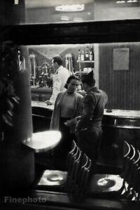1950 HENRI CARTIER-BRESSON Paris Couple Romance Place Pigalle Photo Gravure Art