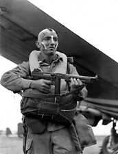 WW2  Photo WWII US 101st ABN Paratrooper D-Day Normandy   World War Two / 5280