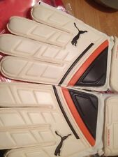 goalkeeper gloves Vencida xl (57) new in carry case white black gold