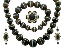 Victorian Banded Agate and 18Carat and 15Carat Yellow Gold Jewellery Suite