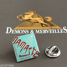 Pin's Folies Demons Sports  Montagne location ski Namaste Argentiere