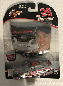 Nascar Winners Circle 1:64 Scale Car-Kevin Harvick #29 with Hood Magnet