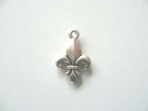 Silver plated antiqued pewter fleur de lis charm pendant in gift box
