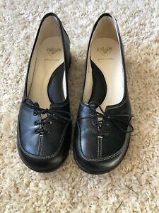 John Fluevog Women's Black Leather Lace-Up Retro Style Shoes