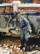 Warriors 1/35 German Wehrmacht Soldier Pointing Wwii 35206