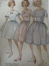 Vintage 50's Simplicity 4301 LOW-NECK KIMONO-SLEEVED DRESS Sewing Pattern Women
