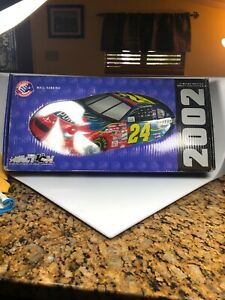 2002 JEFF GORDON #24 DUPONT  WALL HANGING Limited Edition Action Collectables
