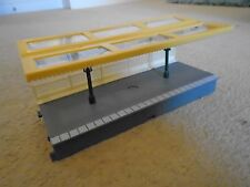 Platform Canopy with Metal Supports for Hornby OO Gauge Train Sets