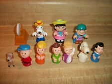 Vintage Lot Charlie Brown Peanuts Mini Figures Lucy Patty Snoopy Linus Schroeder
