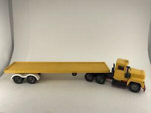 Corgi Major Toys MACK TRUCK Flatbed Cargo Made In Great Britain YELLOW free ship