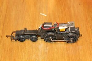 TRIANG OO GAUGE CHASSIS WITH MOTOR (RUNNER)