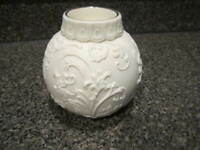 LENOX ORNAMENTAL GLOW HOLLY SCROLL WORK CANDLE HOLDER AMERICAN DESIGN VOTIVE