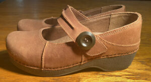 DANSKO BROWN SUEDE MARY JANE CLOGS WOMENS SHOES SIZE 39/US 8.5-9