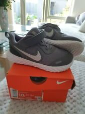 Nike Revolution 5 Unisex Girls Boys Trainers UK Size 9.5 colour grey worn once