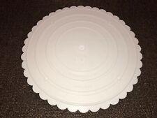 """Wilton Decorator Preferred Separator Cake Plate - 10"""" Scalloped Round"""