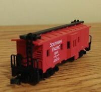 NEW N-SCALE MODEL POWER -3122 Bay Window Caboose - FREE SHIPPING