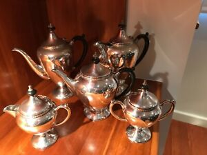 Antique silver plated tea and coffee set 'Du Barry' by Paramount