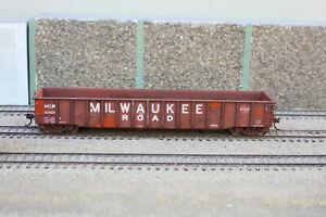 Walthers Thrall Smooth-Side Gondola RTR Milwaukee Road 92425 Custom Weathered
