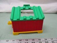 Fisher Price Little People Farm Barn Chicken Coop Shed Red Green Roof Yellow Toy
