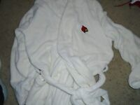 Louisville Football Team Issued Lamar Jackson Cream Robe New WOT
