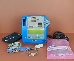 Patient Monitor  Dinamap Pro400 SpO2+NIBP,Temp Options Patient Monitor Monitor