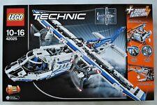 LEGO TECHNIC 42025 2 in 1 CARGO PLANE/HOVERCRAFT NEW SEALED BOX RETIRED SET