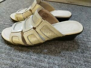 Propet Women's Sorrento Sandal, Size 9W