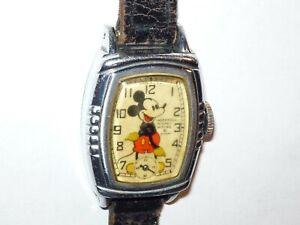 1940 INGERSOLL WALT DISNEY ENT MICKEY MOUSE WRIST WATCH - RUNS GREAT!