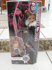 Monster High Doll Clawdeen Wolf purple and pink clothes purple boots new in box