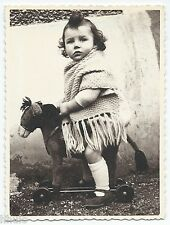 C527 Photo vintage originale enfant jouet ancien cheval roulette