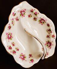 """Vintage 1960s Royal Albert """"Sweet Violets"""" 8""""/19cm Bone China Handled Leaf Dish"""