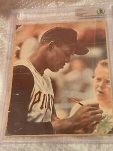 Roberto Clemente Signed Slabbed Autographed Picture PSA/DNA and JSA Pirates